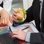 Aby uzyskać zwolnienie z podatku, pracodawca musi sprawdzać, co jedzą pracownicy