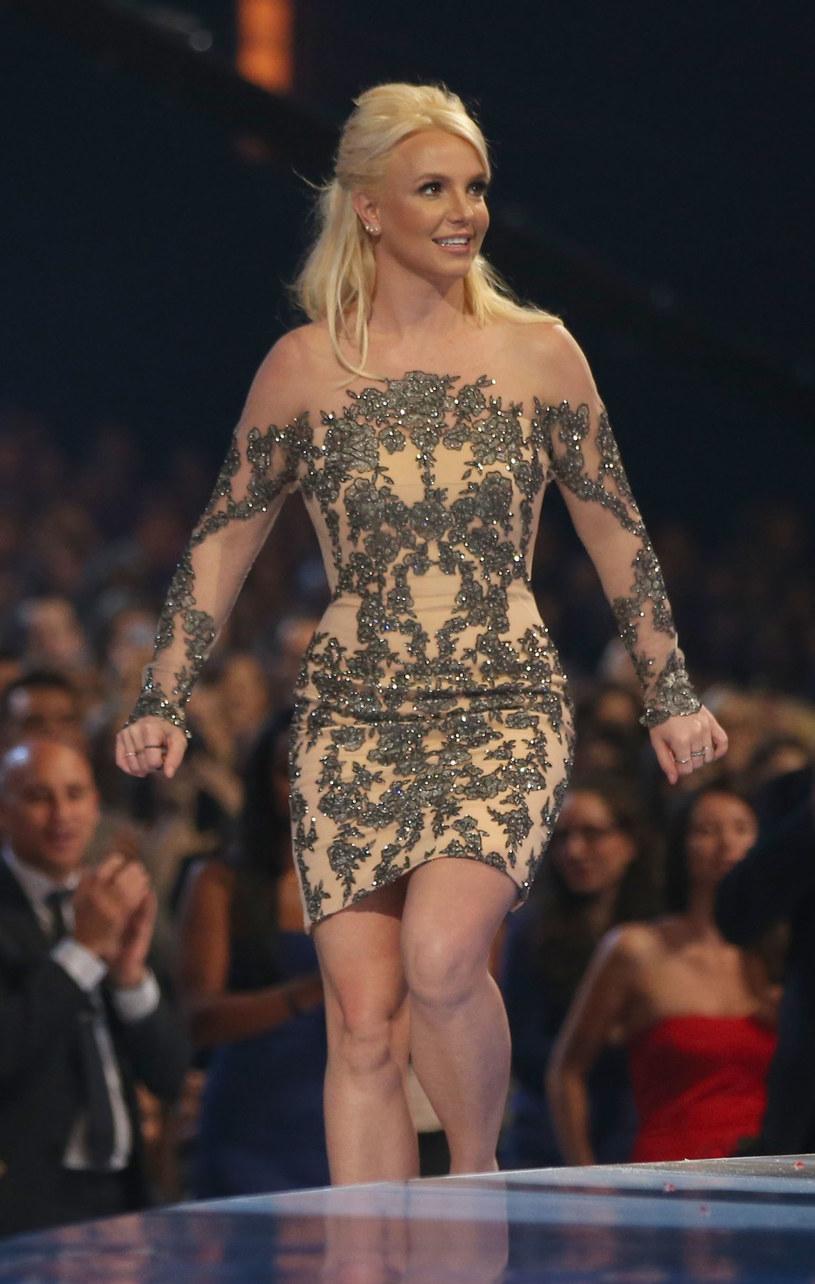 Aby znów schudnąć, Britney Spears próbowała już wszystkiego: zastrzyków hormonalnych, pigułek odchudzających, nosiła też specjalny dres powodujący wzmożone pocenie /Getty Images