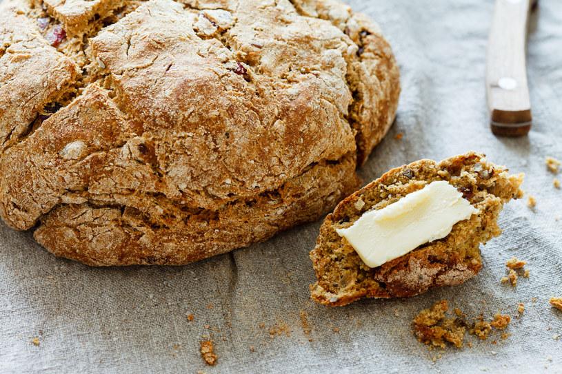 Aby zrobić chleb w domu, wcale nie trzeba być mistrzem pieczenia /123RF/PICSEL