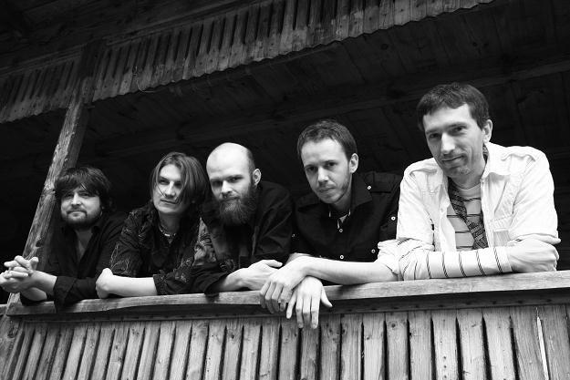"""Acoustic Acrobats debiutują płytą """"Live"""" /Oficjalna strona zespołu"""