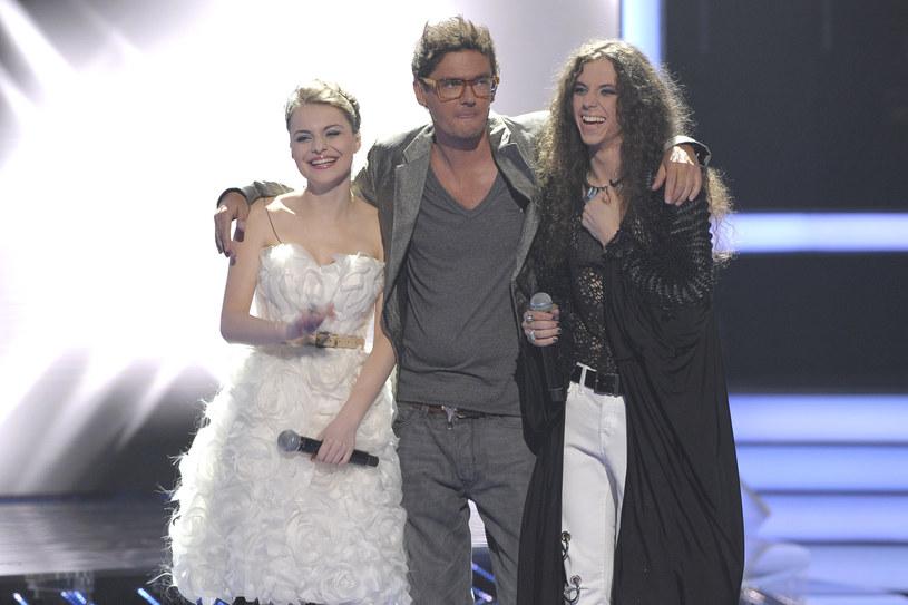 """Ada Szulc w programie """"X Factor"""" była podopieczną Kuby Wojewódzkiego (z prawej Michał Szpak) /AKPA"""