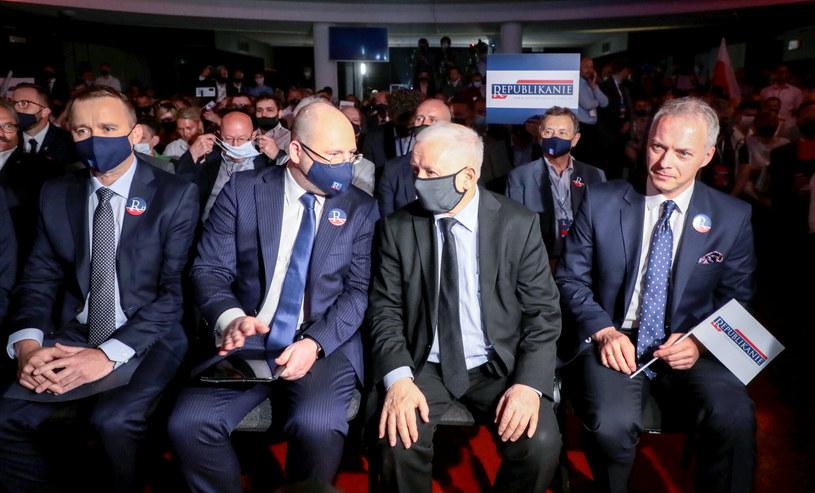 Adam Bielan, Jarosław Kaczyński i Jacek Żalek na spotkaniu Partii Republikańskiej /Piotr Molecki/East News /East News