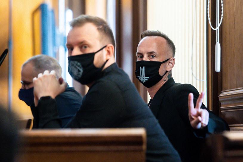 Adam Darski podczas procesu w sprawie znieważenia polskiego godła w lipcu 2020 /Marcin Gadomski /East News