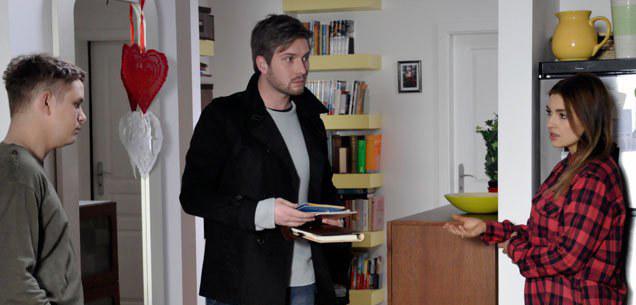 Adam dostanie w twarz od Huberta i... nie odda. /www.barwyszczescia.tvp.pl/