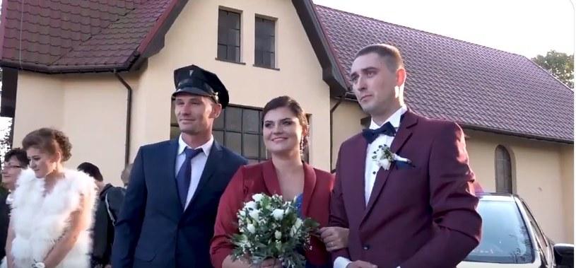 Adam Frączczak z młodą parą - Anną i Sewerynem /