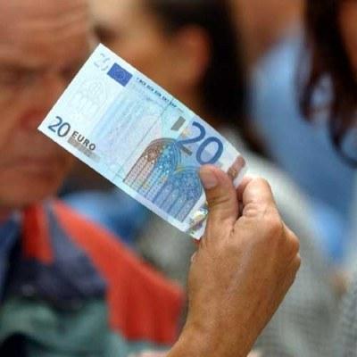 Adam Glapiński: Musimy opanować degrengoladę w finansach publicznych /AFP