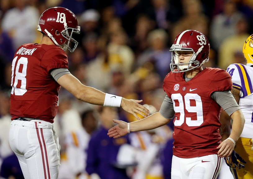 Adam Griffith (numer 99) w barwach Alabama Crimson Tide /AFP