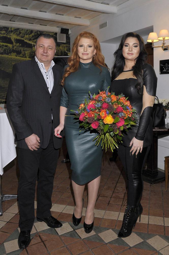 Adam Grycan z żoną Martą i córką Vicky /AKPA