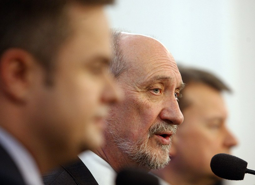 Adam Hofman, Antoni Macierewicz, Mariusz Błaszczak /Adam Guz /Reporter