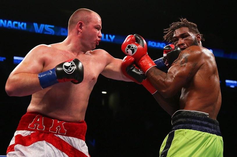 Adam Kownacki (z lewej) jest obecnie najwyżej notowanym polskim pięściarzem w wadze ciężkiej według portalu boxrec.com /AFP /AFP