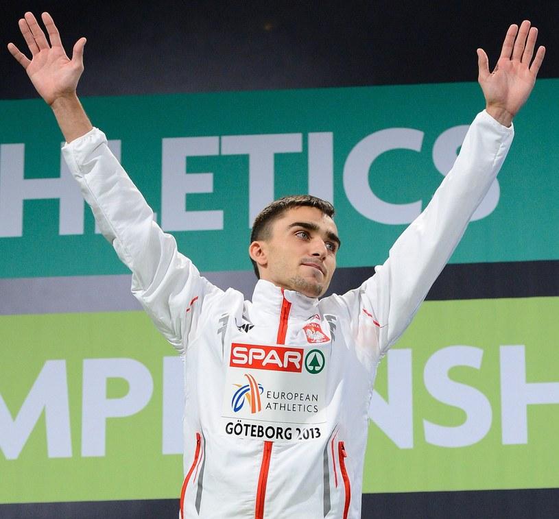 Adam Kszczot wygrał 3 marca 2013 roku w Szwecji finałowy bieg na 800 m w ramach halowych ME. /AFP