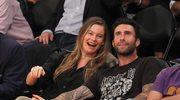 Adam Levine (Maroon 5) i Behati Prinsloo pokazali pierwsze zdjęcie córki