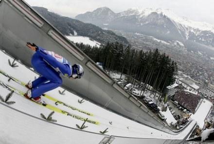 Adam Małysz na skoczni Bergisel /AFP