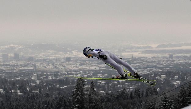 Adam Małysz na skoczni w Oslo /AFP
