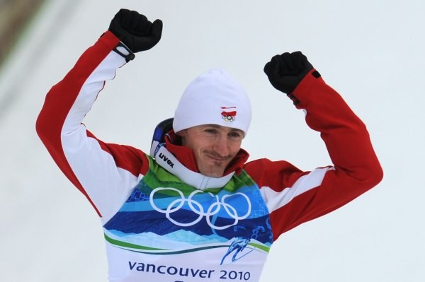 Adam Małysz - srebrny medalista IO w Vancouver /AFP