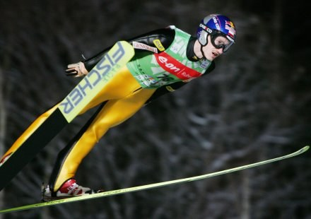 Adam Małysz walczył jak lew na Okurayamie /AFP