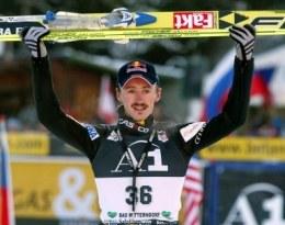 Adam Małysz wygrał konkurs PŚ w Bad Mitterndorf /AFP