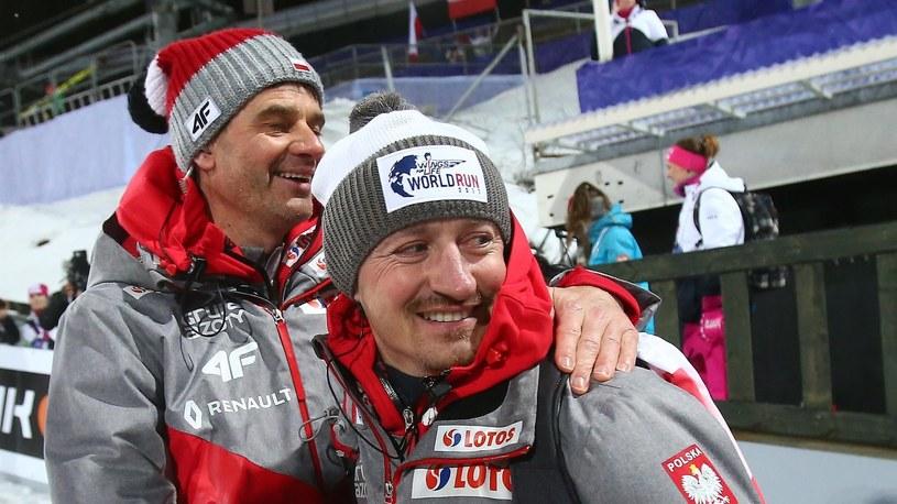 Adam Małysz (z prawej) i Stefan Horngacher /Newspix