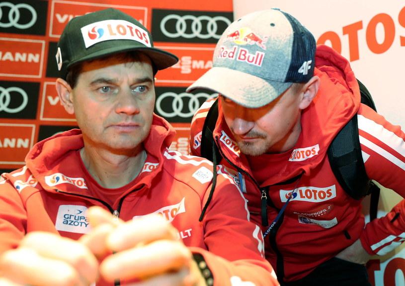 Adam Małysz (z prawej) i Stefan Horngacher / Grzegorz Momot    /PAP