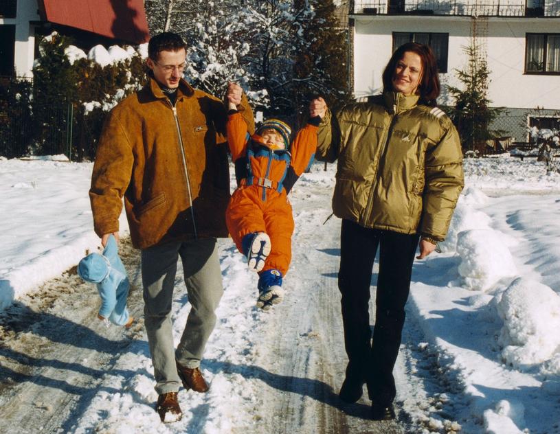 Adam Małysz z rodziną (rok 2001) /Włodarski/REPORTER /Reporter