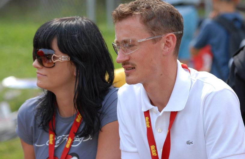 Adam Małysz z żoną, zdjęcie z 2007 roku /Gladecki /East News