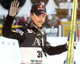 Adam Małysz zajął drugą lokatę w niedzielnym konkursie /AFP