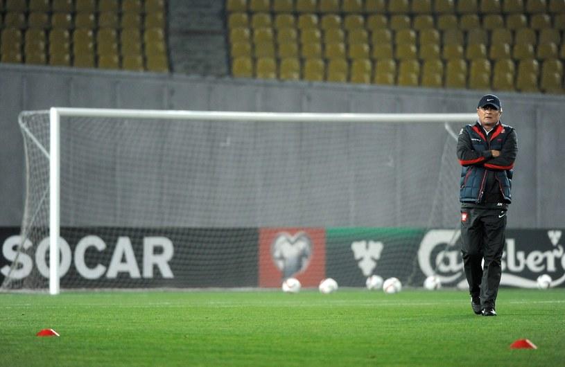 Adam Nawałka na murawie stadioniu w Tbilisi /Bartłomiej Zborowski /PAP