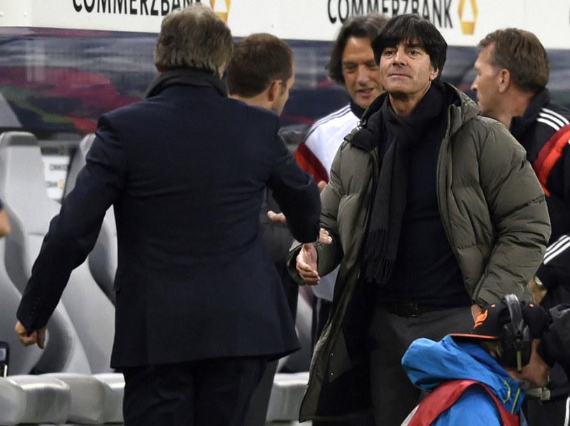 Adam Nawałka wita się z Joachimem Loewem przed majowym towarzyskim meczem Niemcy - Polska /AFP