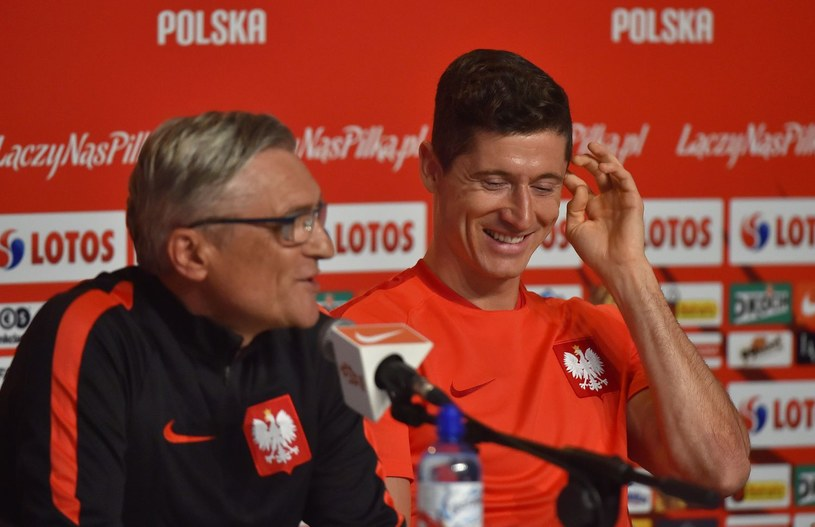 Adam Nawałka (z lewej) i Robert Lewandowski /AFP