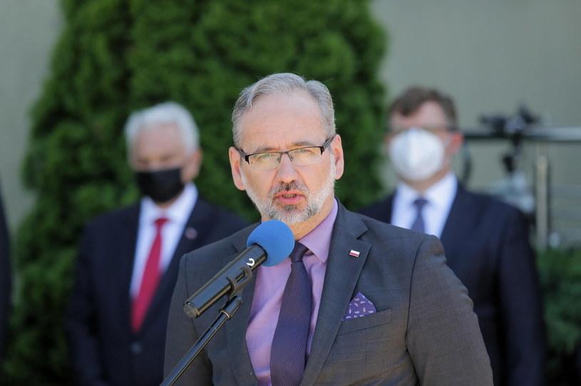 Adam Niedzielski podczas konferencji prasowej /Tomasz Waszczuk /PAP