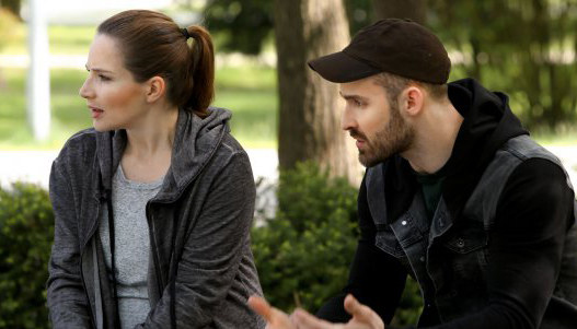 Adam oznajmia Agnieszce, że w obawie o jej bezpieczeństwo nie wyjedzie z nią do Londynu. Walczak jest zawiedziona, choć zapewnia byłego kochanka, że poradzi sobie sama z wychowaniem ich dziecka. /www.barwyszczescia.tvp.pl/