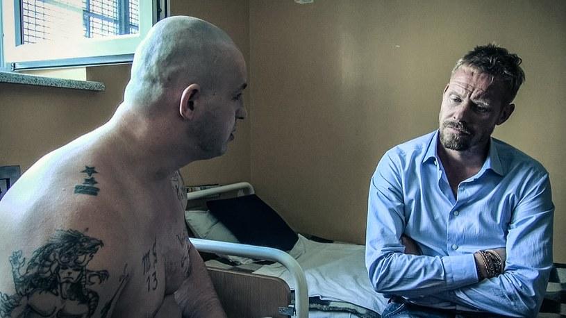 Adam S. i Rinke podczas rozmowy w celi /Polsat /materiały prasowe