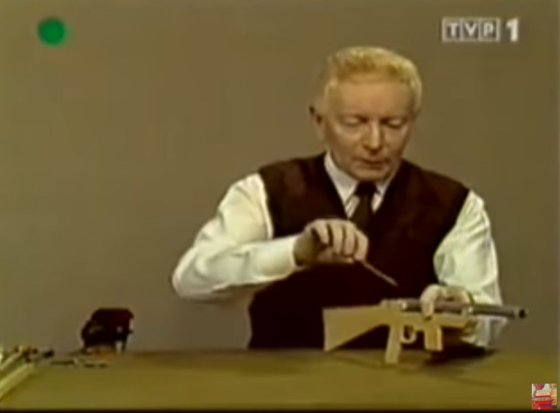 """Adam Słodowy w programie """"Zrób to sam"""" (Screen:youtube.com) /materiał zewnętrzny"""