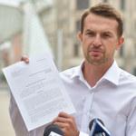 Adam Szłapka składa zawiadomienie do prokuratury na Jarosława Kaczyńskiego. Chodzi o reasumpcję głosowania