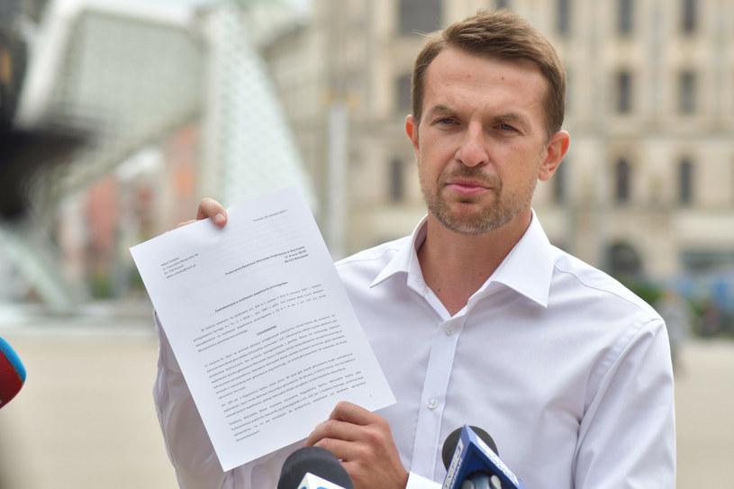 Adam Szłapka złożył zawiadomienie do prokuratury na Jarosława Kaczńskiego /Karolina Adamska /East News