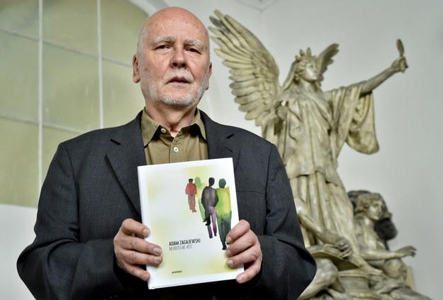 Adam Zagajewski podczas targów książki w Pradze /Vit Simanek    /PAP/CTK
