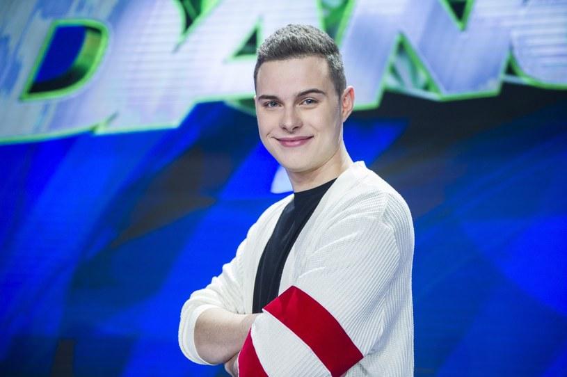 """Adam Zdrójkowski prawdopodobnie będzie nowym prowadzącym show """"Dance, Dance, Dance"""" /Natasza Mludzik/TVP /East News"""