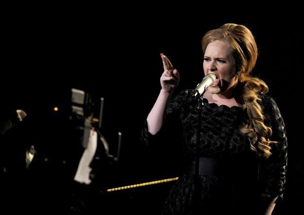 Adele miała problem z krwawiącymi strunami głosowymi - fot. Kevin Winter /Getty Images/Flash Press Media