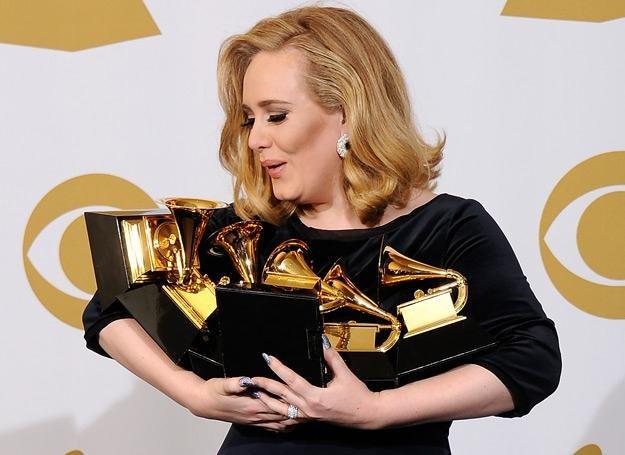 Adele miała problem z utrzymaniem swoich nagród Grammy - fot. Kevork Djansezian /Getty Images/Flash Press Media