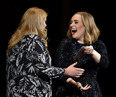 Adele na scenie z sobowtórem