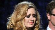 Adele przykuta do łóżka