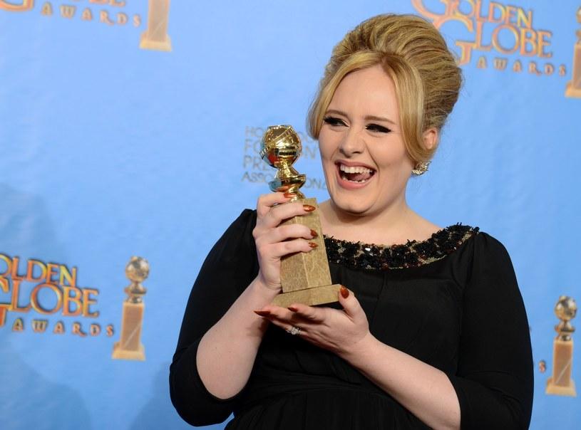 Adele świetnie wie, jak nosić się w większym rozmiarze /East News