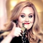 Adele z figurą woskową