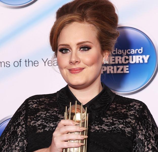 Adele z nagrodą Mercury Prize, jedną z wielu, które otrzymała - fot. Dave Hogan /Getty Images/Flash Press Media