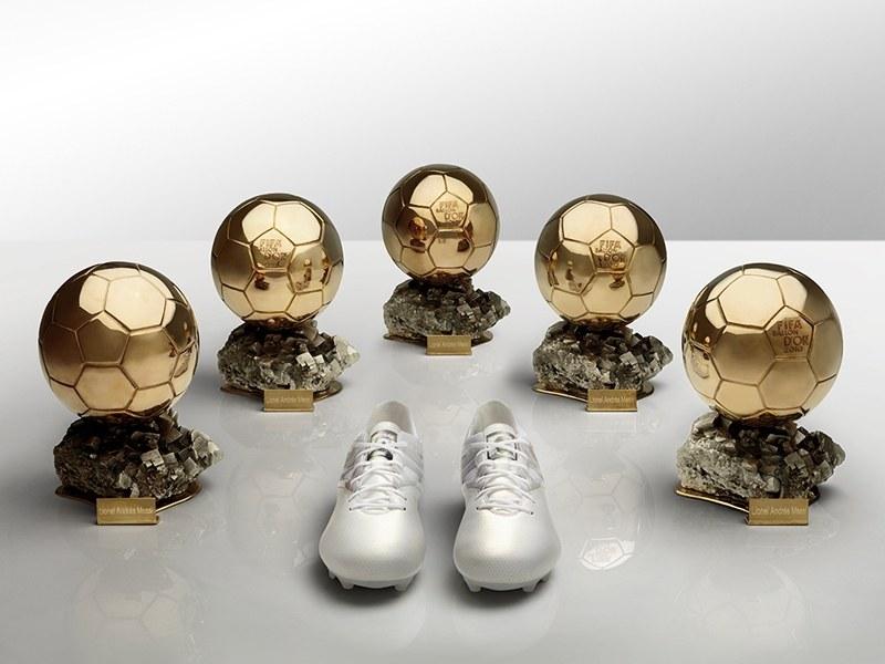 Adidas Messi15 - platynowe korki z najlepszej perłowej skóry /materiały prasowe