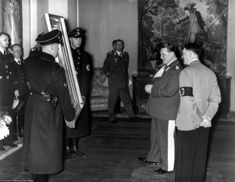 Adolf Hitler i Hermann Goering kolekcjonowali skradzione dzieła sztuki /East News