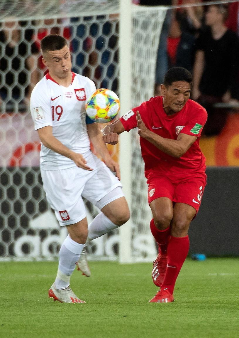 Adrian Łyszczarz w meczu z Tahiti /Grzegorz Michałowski /PAP
