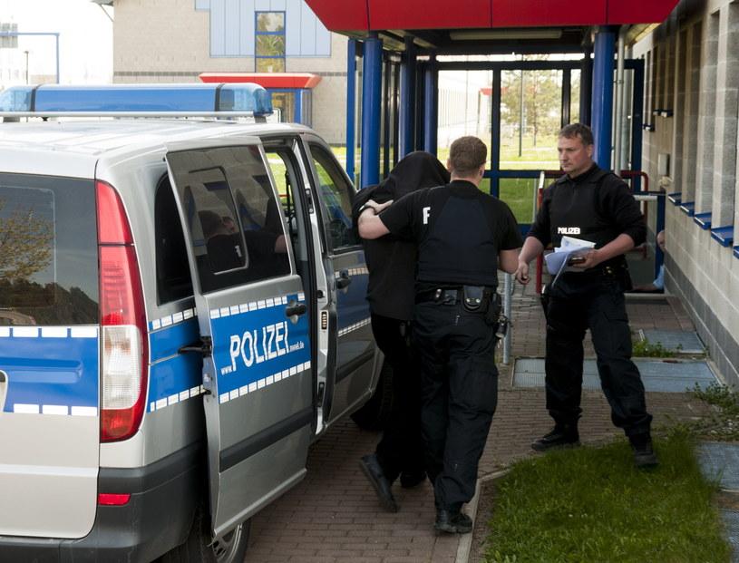 Adrian M. podejrzany o porwanie 10-letniej Mai został przekazany przez Niemców stronie polskiej /Tomasz Murański  /PAP