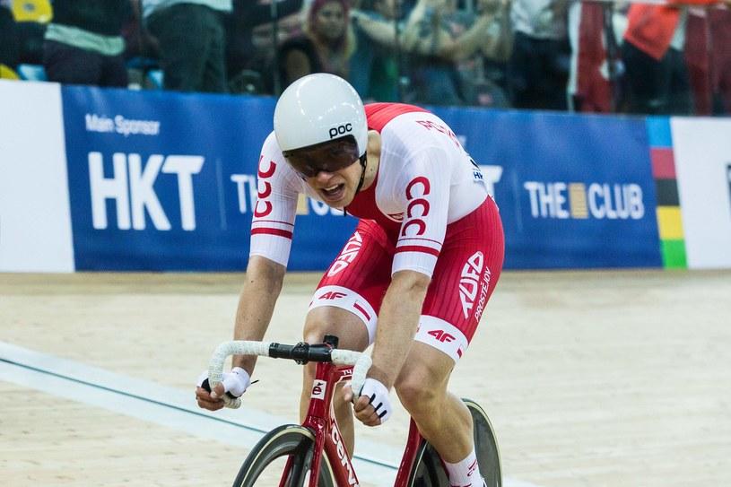 Adrian Tekliński podczas zwycięskiego wyścigu /AFP