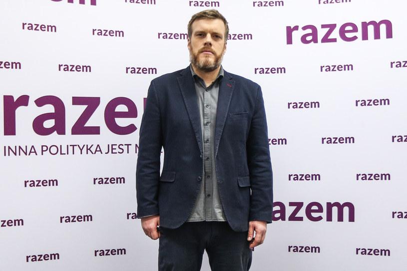 Adrian Zandberg w czasie konwencji samorządowej Razem /Michał Dyjuk /Agencja FORUM